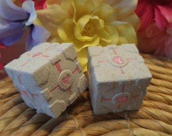 Companion Cube Bath Bombs