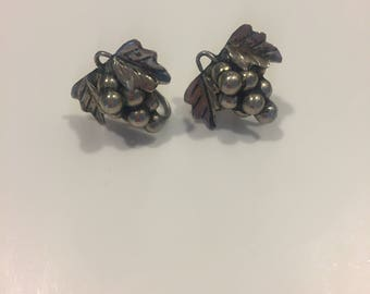 Vintage Taxco Sterling Silver Grape Cluster Screw Back Earrings