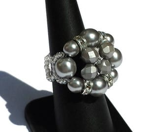 Gray Pearl and rhinestone ring silver-gray Pearl Ring-Ring-Ring brilliant