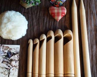 Giant CROCHET oak books chunky thick knit with wool Merino Trapilho, rope - JUMBO Giant oak hook XL.