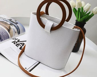 Women's White Canvas Shoulder Bag - The Wood Design Makes The Perfect Beach Bag Or Summer Tote