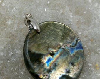 LABRADORITE with blue and golden brown reflection 21.46 Gr-round pendant