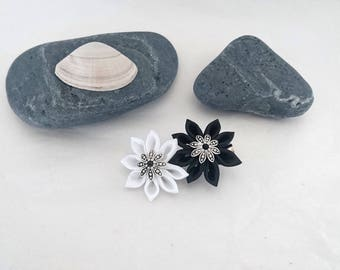 2 simple black and white kanzashi flower hair clip