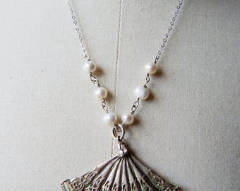 Vintage Silvertone Articulated Fan Pendant on 925 Sterling Silver Chain with Freshwater Pearls