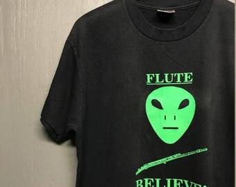 L vintage 90s 1997 Alien Flute t shirt
