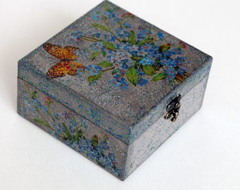 Midnight miracle. (Hand decorated decoupage jewelry box)