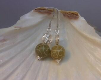 Genuine JADE sulptee earrings