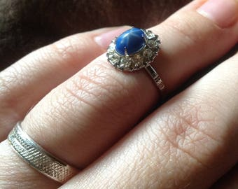 Beautiful Engraved Sterling Silver Halo Set Faux Star Sapphire and Crystal Vintage Ring Size 7