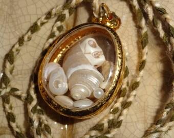 Vanity that is the Sea (pendant)