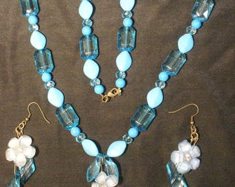 Blue beaded and floral necklace and earring