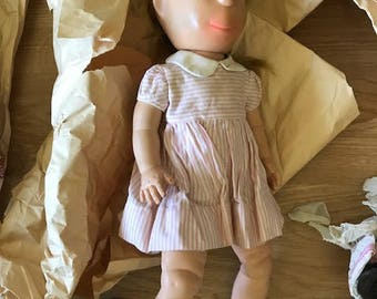 Poor pitiful pearl doll in good condition