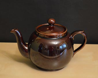 "Vintage P&K Rich Brown Teapot, Made in England, Price Kensington, 5 cup, 5.75"", Round Smooth Shiny"