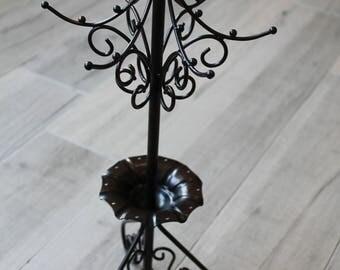 Black metal jewelry display stand