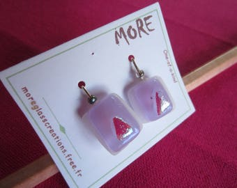 Lovely small earrings in purple and white glass with silver inclusion
