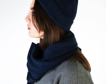 Navy Scottish Cashmere Hat