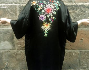 Embroidered Kimono Black Silk Vintage Kimono Chinese Robe Japanese Dressing Gown Floral Embroidery Motif