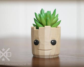 Baby Groot, Groot Planter, Baby Groot Planter, Groot gift, Groot decor, Guardians Gift, Guardians Galaxy, Air Plant Holder, Desk planter