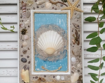 Coastal decorating with seaside picture - Beach party - Hand crafted natural - Wall decoration - Coastal beach - Scallop Shell - White wood