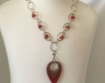 """18"""" coral and silver-plated with pendant"""