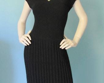 Summer Slink - Vintage 1950's Knit Dress and cardigan Sweater Set