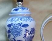 Pottery Ginger Jar Secretary Desk Lamp in a Blue n White Oriental Pattern w accents of Hearts an Flowers