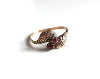 Antique Victorian Double Snake and Garnet 10K Gold Ring