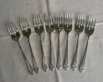 8 PLANTATION  Silver Salad Forks Silver Plate Dessert Forks SET of 8 Vintage Silverplate Flatware Silver Buffet Flatware French Country
