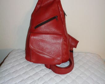 Genuine buttery soft  Leather  convertible sling bag ,  side zip  bucket bag, multi pocket purse vintage 90s MINT condition