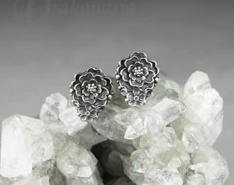 Little garden 01 - tiny sculpted flower earrings in sterling silver, flower studs, tiny flowers, small stud earrings, limited collection