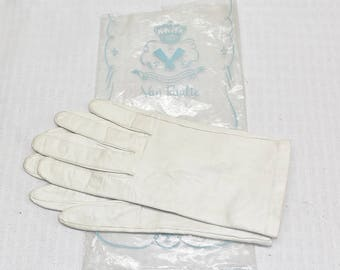 50s 60s Vintage White Leather Wrist Length Gloves Size 7