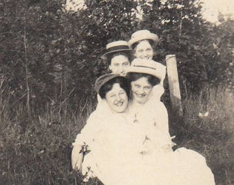 Original Vintage Small Photograph Snapshot Woman Friends Fun Pose Outdoors 1910s