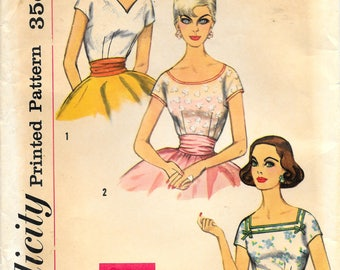 RESERVED * SIMPLICITY 2511 UNCUT Bust 38 Size 18 Blouse Top Shirt Shaped V-neck Square Round Kimono Sleeves Fitted Vintage 1950's Pattern