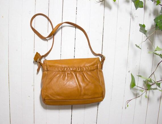 Vintage Leather Shoulder Bag / Brown Leather Purse / Brown Leather Clutch / Leather Shoulder Purse / Leather Saddle Bag / Leather Bucket Bag