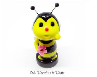 Cold Porcelain Clay Bee Figurine Cake Topper Cupcake Bumble