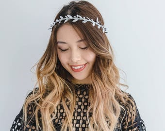 silver bridesmaids flower crown // silver berry leaf flower crown / wedding flower crown / bridesmaid flower crown headband / headpiece