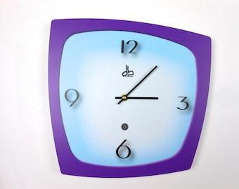 Horloge murale style vintage années 50 violette et bleue