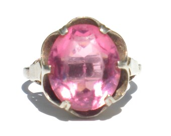 Pink Glass Ring Faceted Oval on Sterling Silver Buttercup Setting Signed Sarah Coventry Size 6.5 Vintage Jewelry