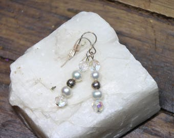 White Freshwater Pearls Faceted Crystal Roundel Earrings with Sterling Silver hooks E2279