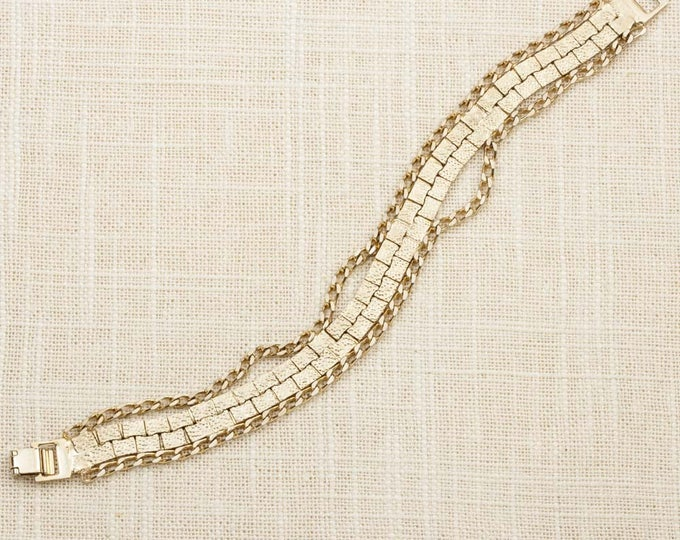 Patterned Vintage Bracelet Gold Curb Chain Etched Costume Jewelry 16S