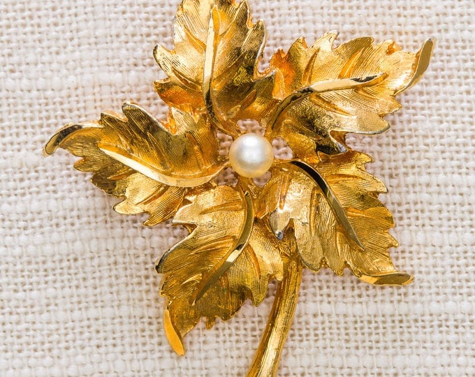 Gold and Pearl Leaf Brooch Vintage Etched Shiny Intricate Broach Vtg Pin 7JJ