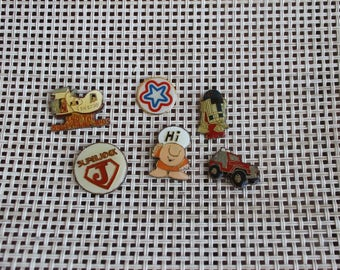 Vintage Quirky Pins, Nostalgia, Hi, Star, Jeep, Superjock, R2 D2, The old lady and Shoestring Kids