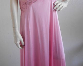 Vintage Vanity Fair Nightgown Pink Lace Olga Style Size Large
