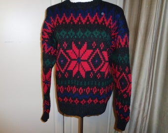 Vintage GAP Brand Ski Sweater in Mint Condition,  100% All Pure Wool,  Made in Hong Kong with a Classic Snowflake pattern style design knit