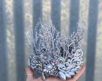 Queen Crown, Silver Crown, Silver Tiara, Rhinestone Tiara, Crown Headpiece, Crowns and Tiaras, Crown Headband, Bridal Crown, Hair Acessory.