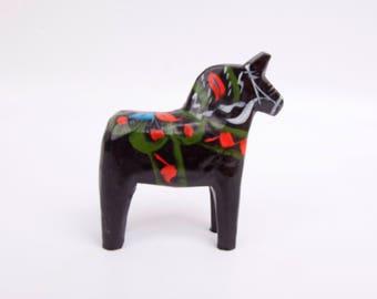 Vintage Swedish Dala Horse Black Hand Painted Wooden Dalecarlian Horse Hand Carved Sweden Symbol Dalarna Folk Art Quintessential