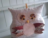 Owl tea cosy with vintage patchwork feathers / autumn cute tea cosy for country kitchen gift