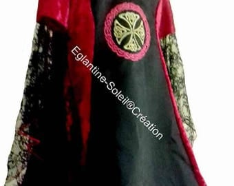"""""""GUINEVERE"""" scalable medieval dress."""