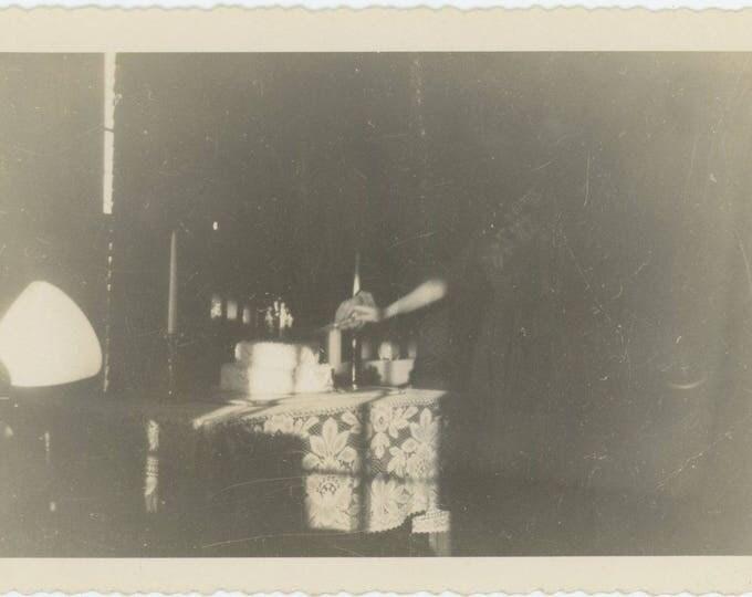 Cutting the Cake: Vintage Snapshot Photo, c1940s [82653]