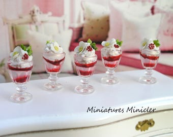 Miniature Dollhouse Strawberry Ice Cream 1:12