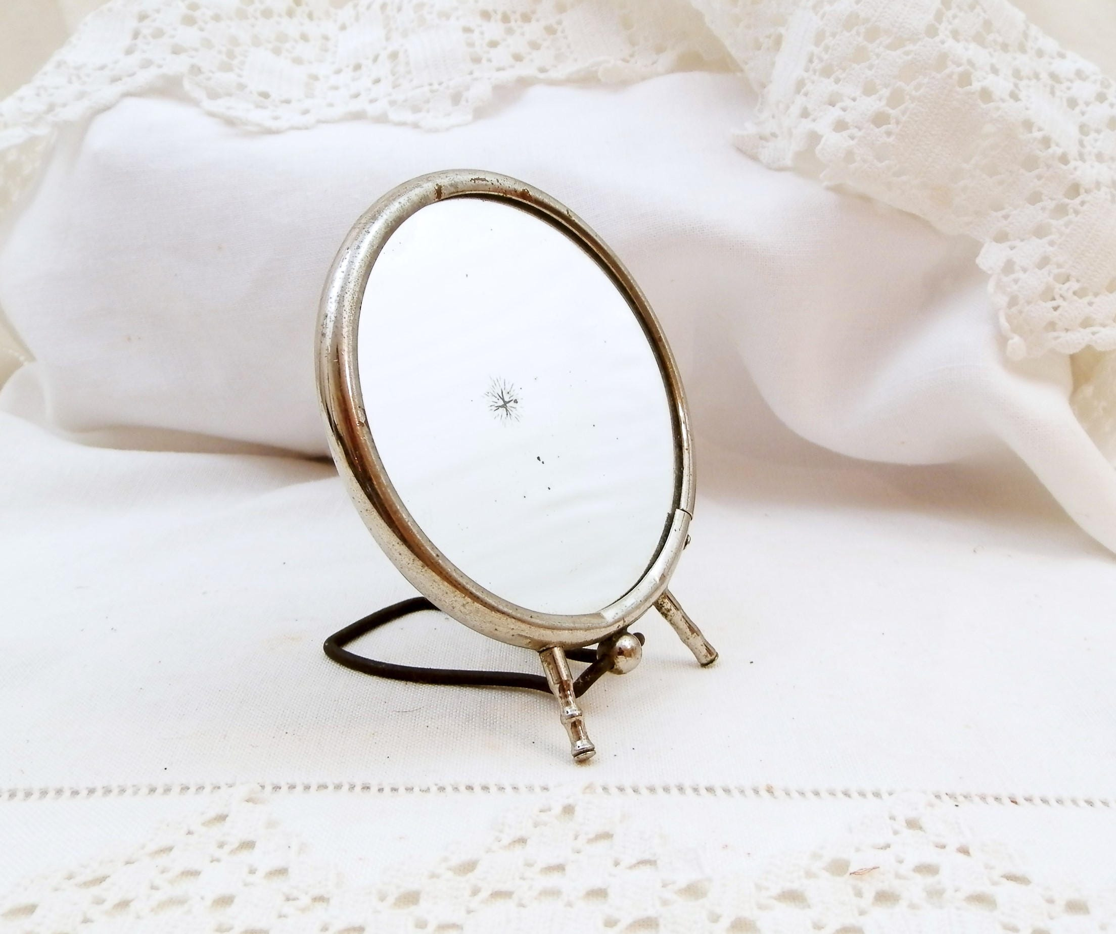 Small vintage round make up free standing mirror with for Small stand up mirror